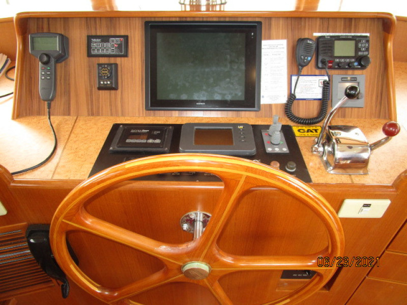 45' Symbol pilothouse helm