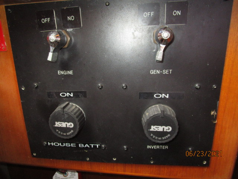 45' Symbol battery switches