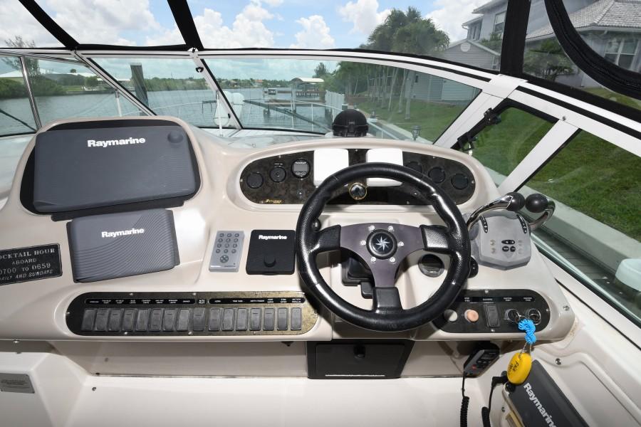 2004 37 Cruisers Express - Fair Profit - Electronics