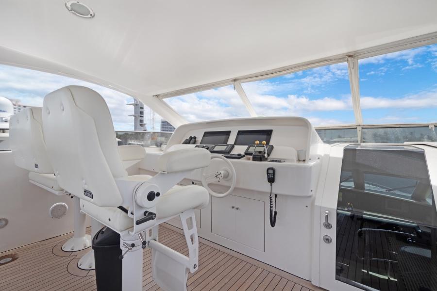 BELLA GIORNATA 94' Lazzara 2000/2018 Flybridge Motor Yacht: Flybridge