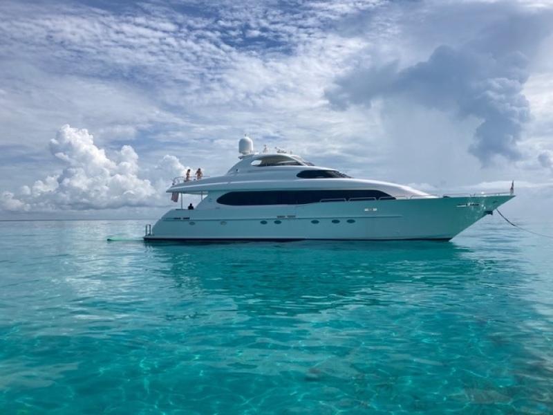 Photo of 94' Lazzara Yachts 2000
