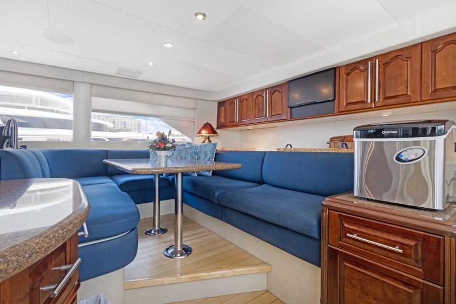 BELLA GIORNATA 94' Lazzara 2000/2018 Flybridge Motor Yacht: Country Galley