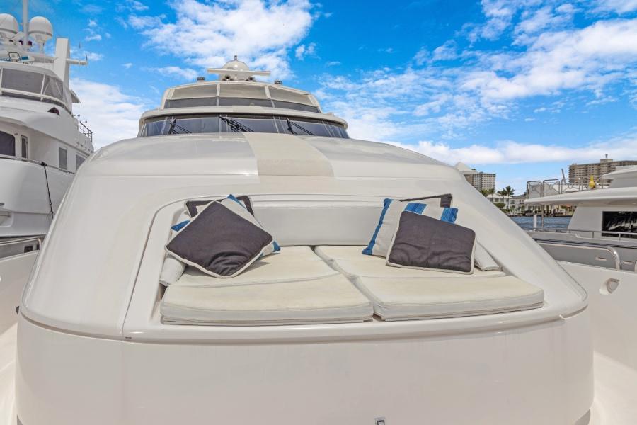 BELLA GIORNATA 94' Lazzara 2000/2018 Flybridge Motor Yacht: Bow Seating