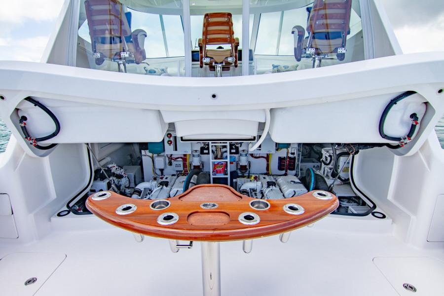 42 Viking 2014 Engine Hatch Open