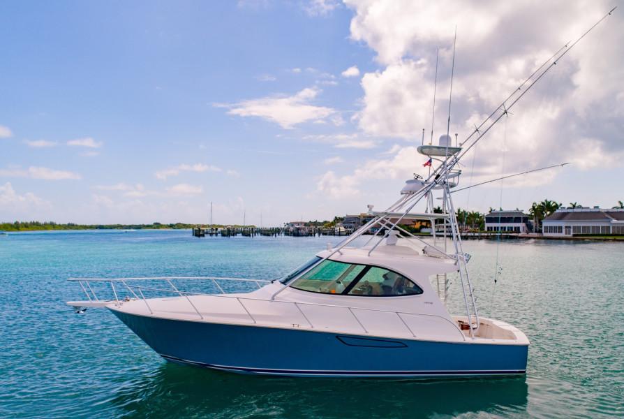 42 Viking 2014 Profile Port