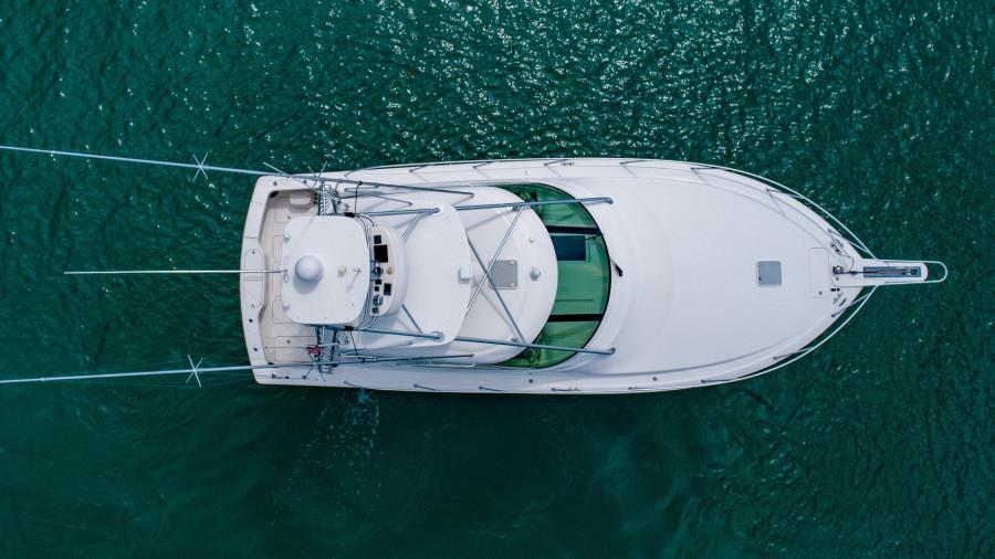 42 Viking 2014 Profile Drone Overhead