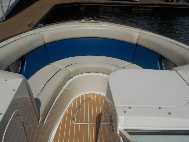 Chris-Craft - Drop Coin Here Too - Bow Seating