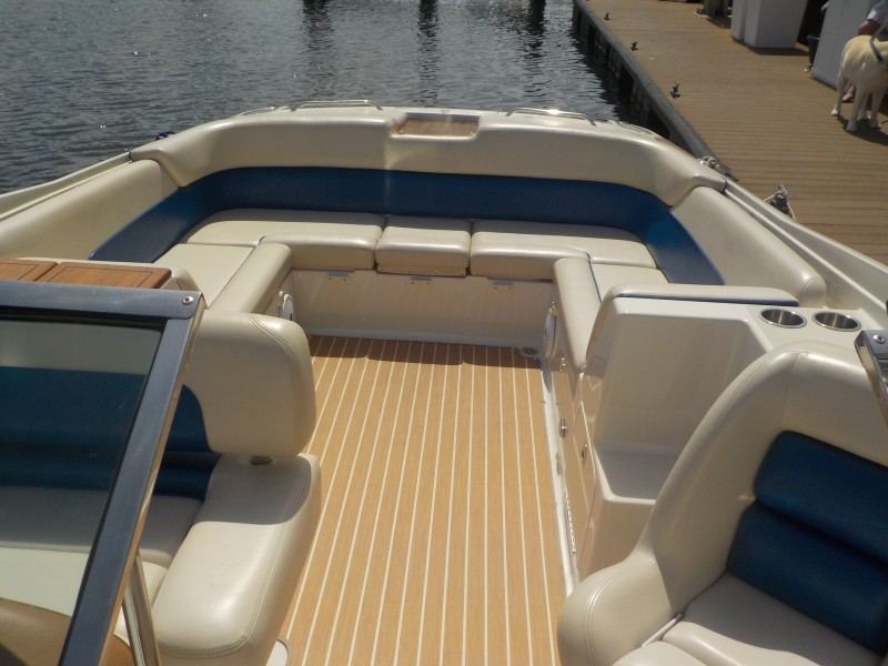 Chris-Craft - Drop Coin Here Too - Forward looking aft