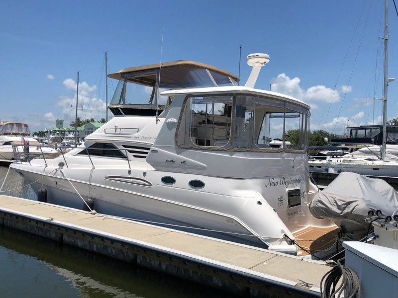 42 Sea Ray Aft Cabin Profile Port Aft Qtr