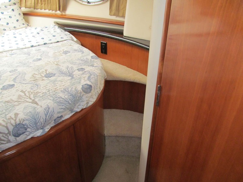 Guest Steps Starboard