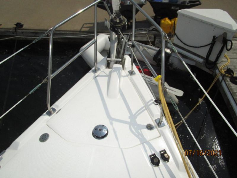 38' Marlow-Hunter anchor windlass covered