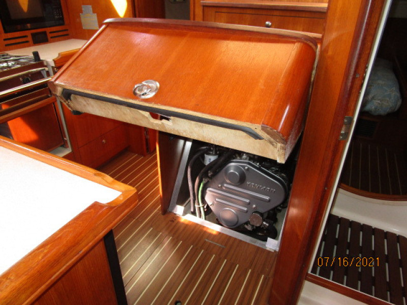 38' Marlow-Hunter auxiliary access