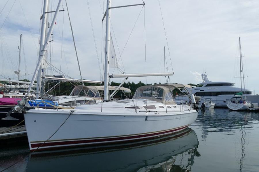 38' Marlow-Hunter port forward profile1