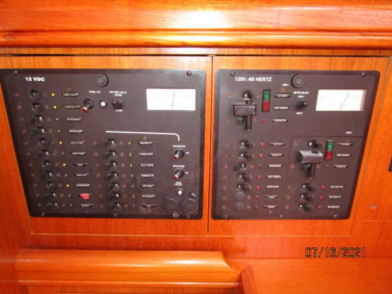 38' Marlow-Hunter electrical panel1