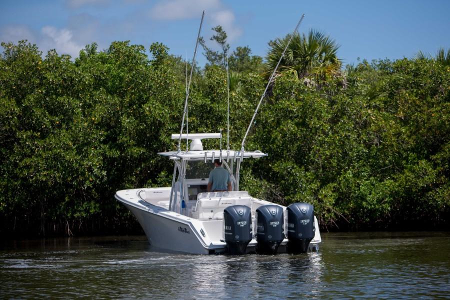 Sea Hunter 37 - Dirty Work - Exterior Profile