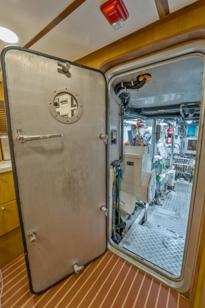 1997 Stephens 100 Tri-Deck - Bravo - Engine Room