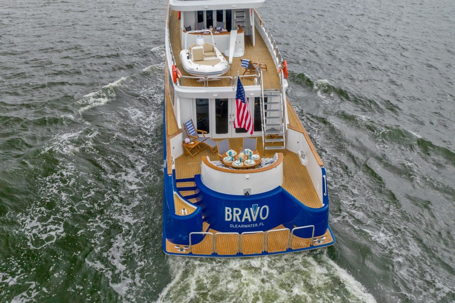 1997 Stephens 100 Tri-Deck - Bravo