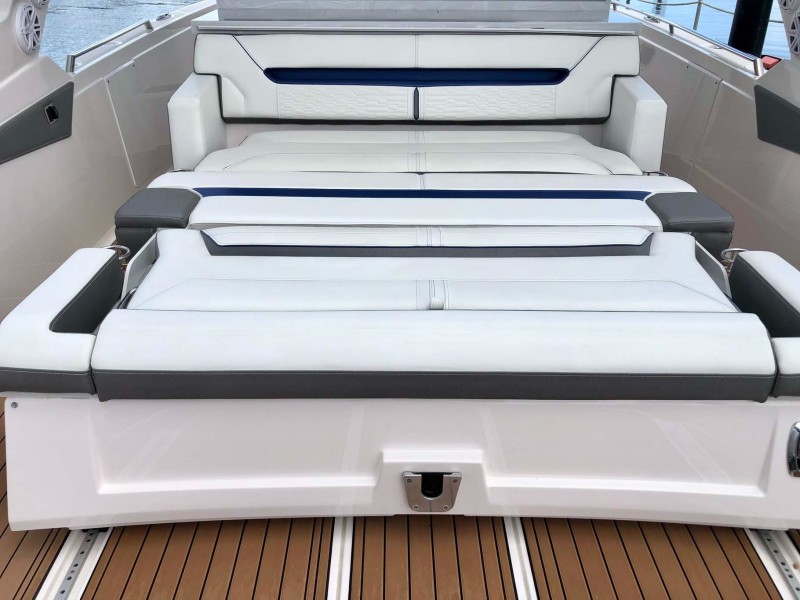 Stern Bed Option
