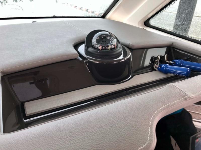 Helm Compass