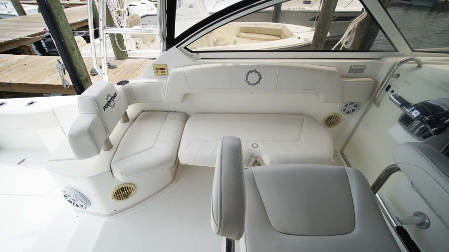Bench Seat to Port