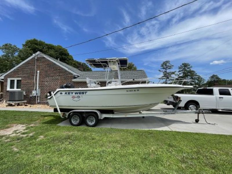 Photo of 22' Key West 2220 Center Console 2000