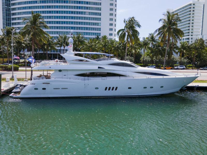 Photo of 105' Sunseeker 105 Yacht 2002
