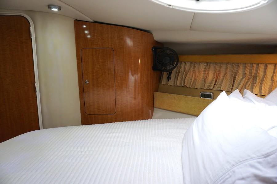 2004 38 Regal 3860 Tides Inn Foreward Stateroom (2)