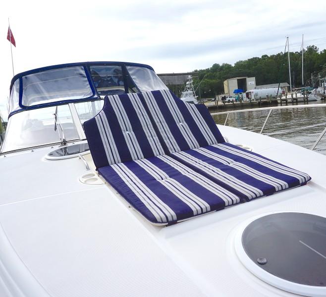 2004 38 Regal 3860 Tides Inn Bow Lounger (1)