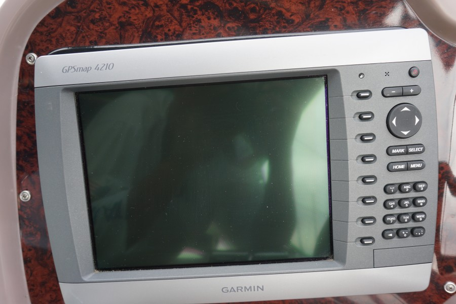 2004 38 Regal 3860 Tides Inn GPS