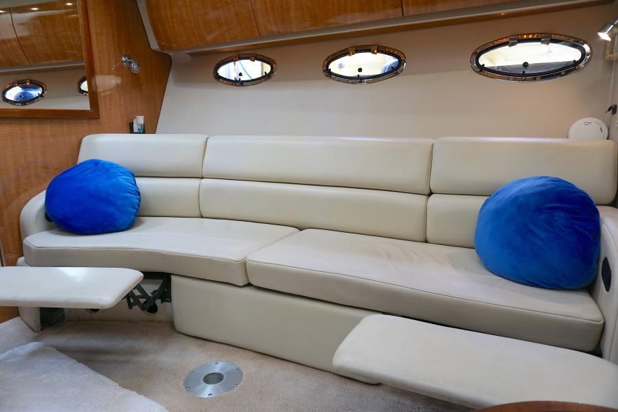 2004 38 Regal 3860 Tides Inn Salon (2)