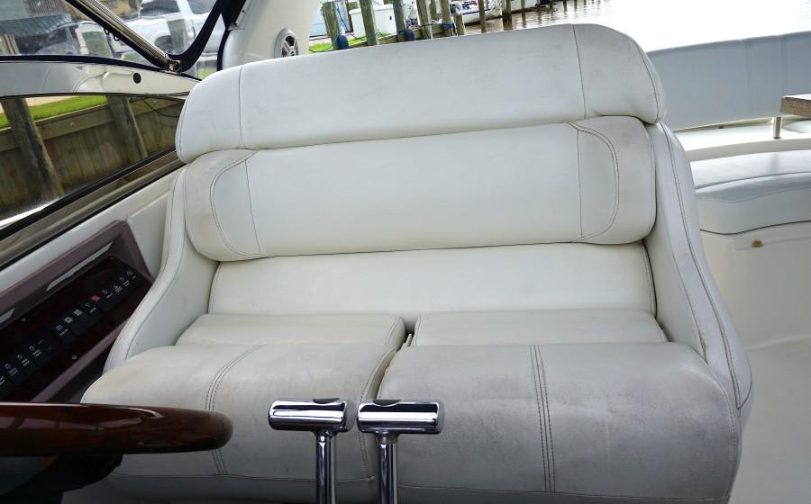 2004 38 Regal 3860 Tides Inn Captains Chair