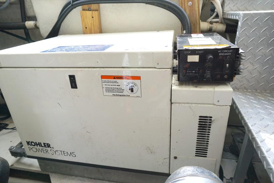 2004 38 Regal 3860 Tides Inn Generator