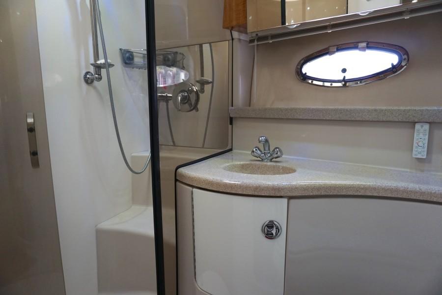 2004 38 Regal 3860 Tides Inn Shower