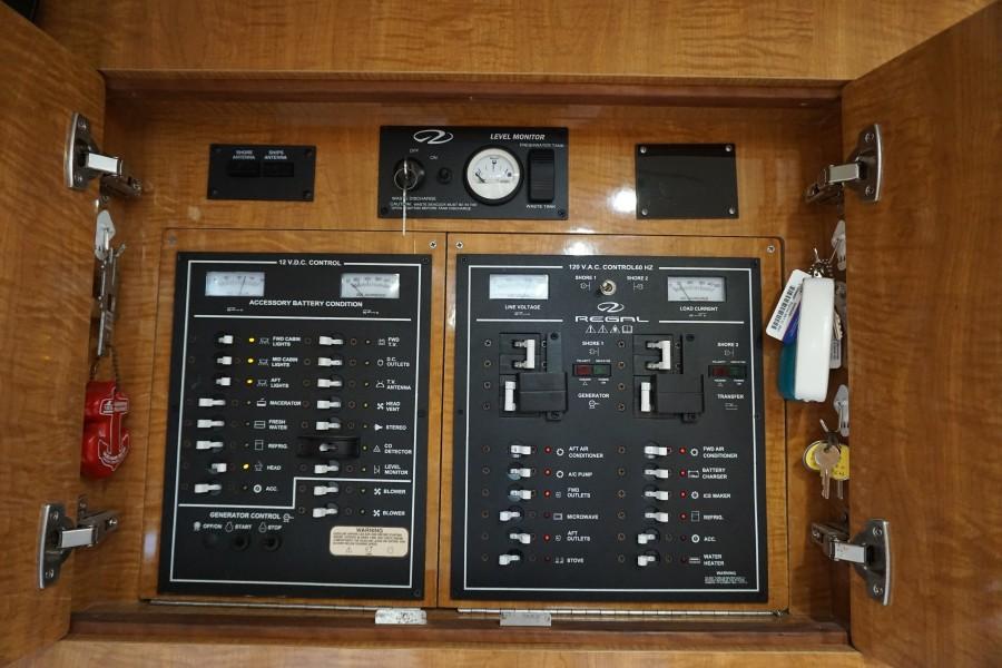 2004 38 Regal 3860 Tides Inn Shore Power Panel