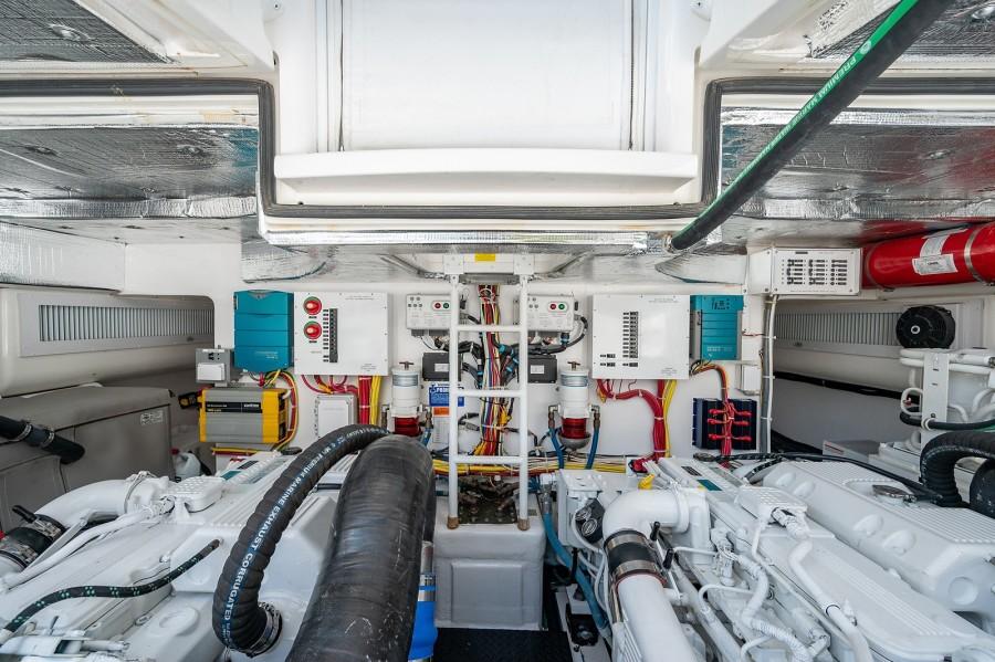 Viking 42 - Kariba - Engine Room