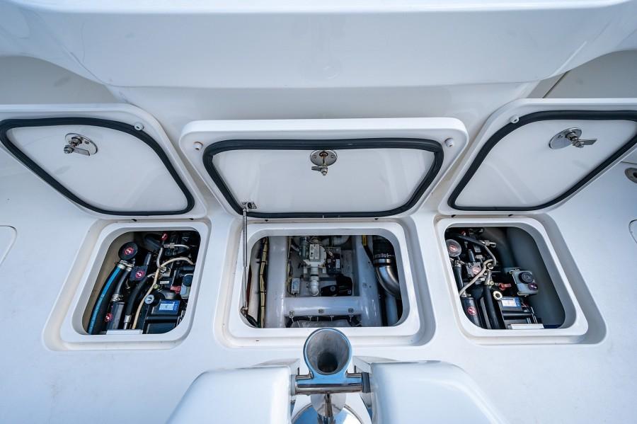 Viking 42 - Kariba - Cockpit