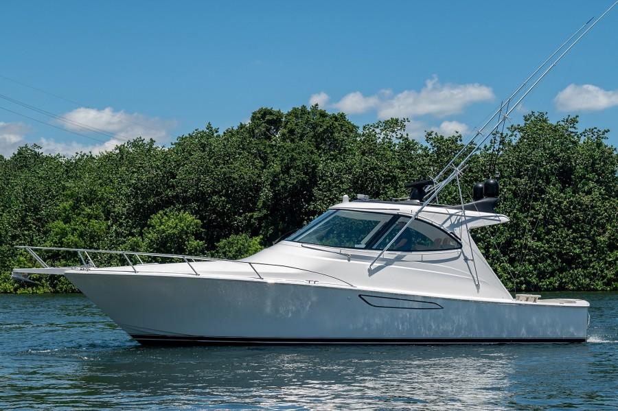 Viking 42 - Kariba - Exterior Profile
