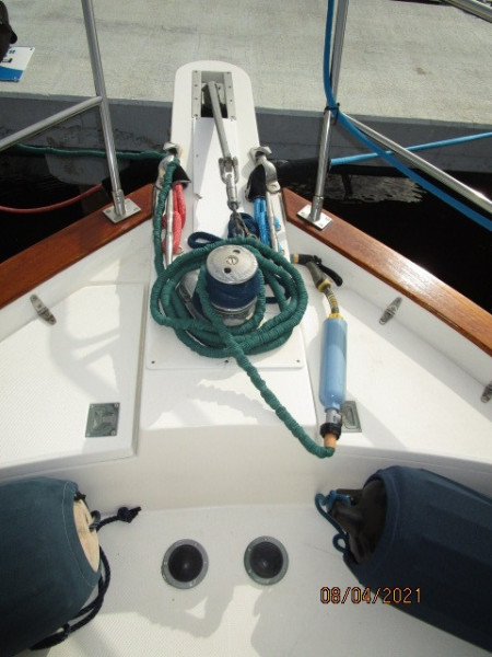 36' Sabreline anchor windlass