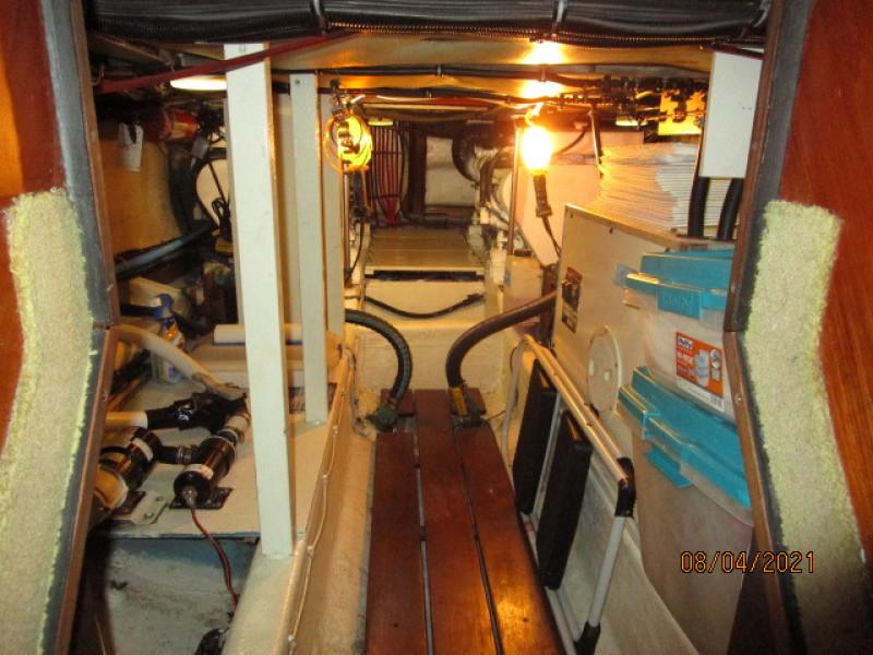 36' Sabreline engine room forward