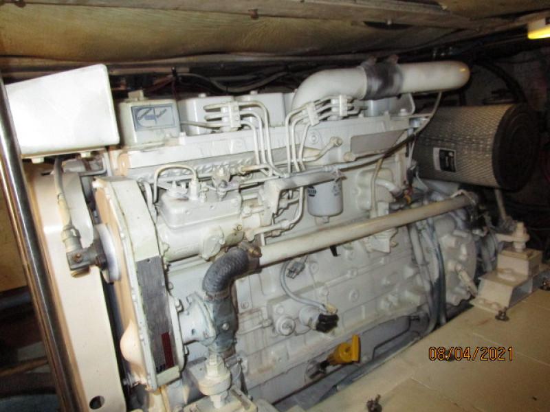 36' Sabreline starboard main engine