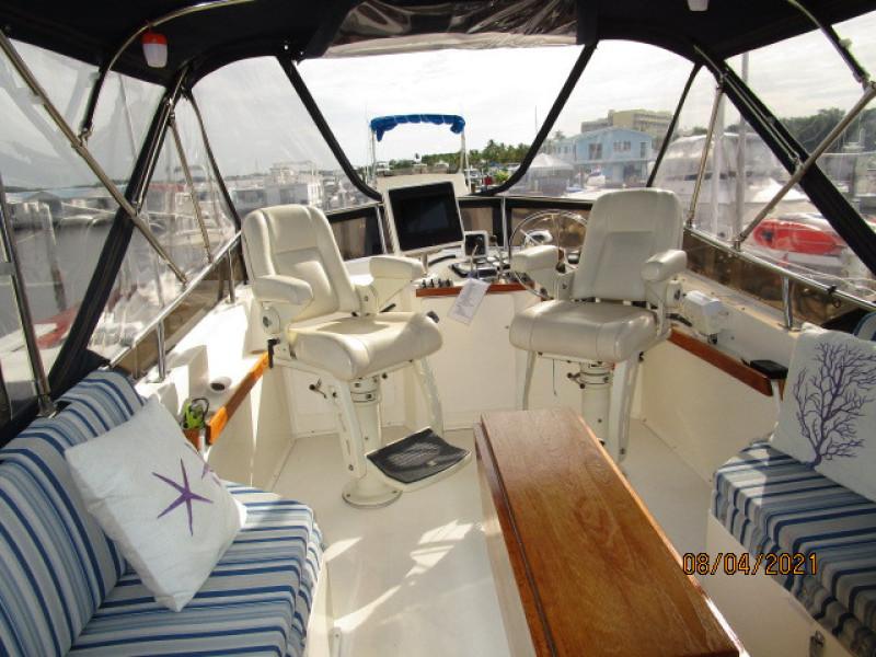 36' Sabreline flybridge forward