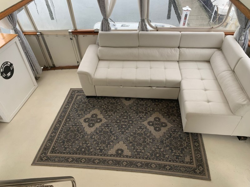 Aft Deck Couch without Cooler Ottoman