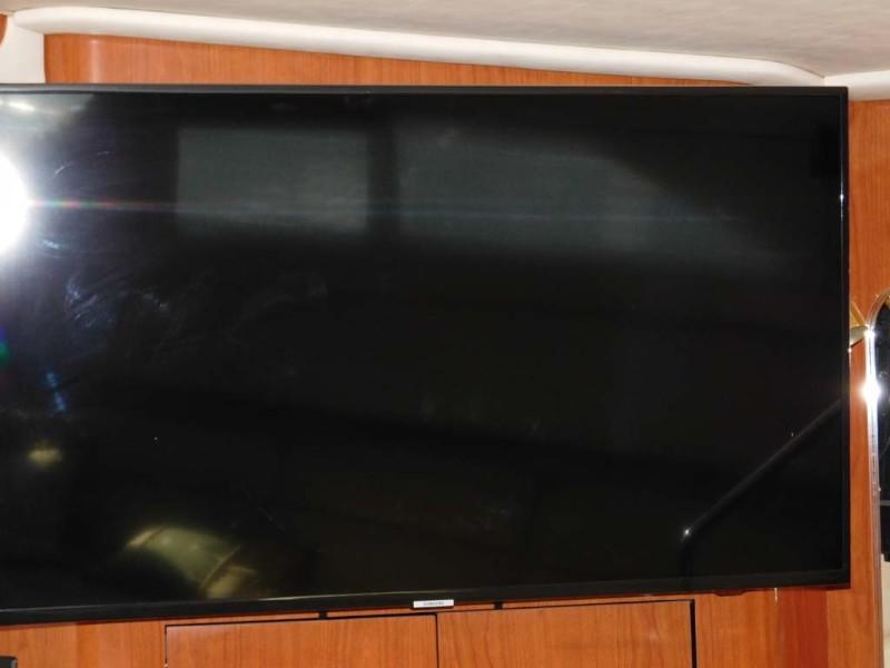 44 Inch Samsung Flat Screen