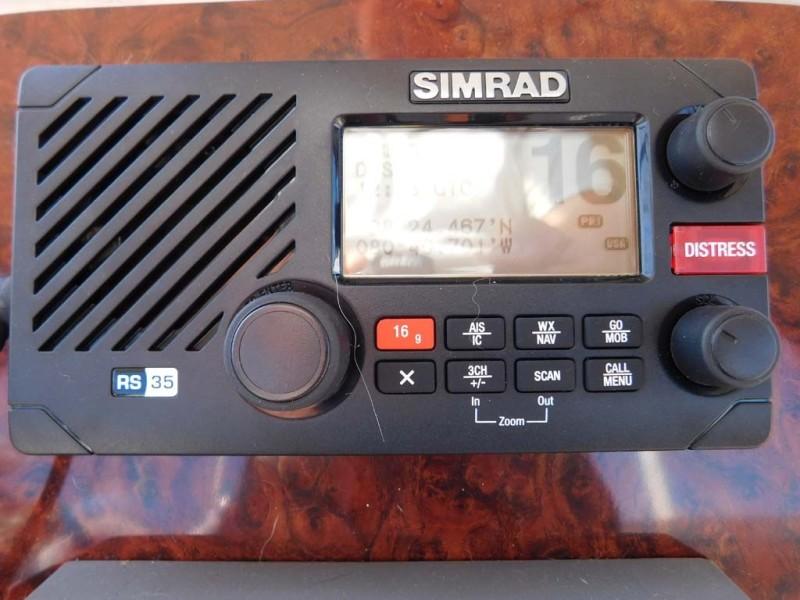 Simrad VHF RS35