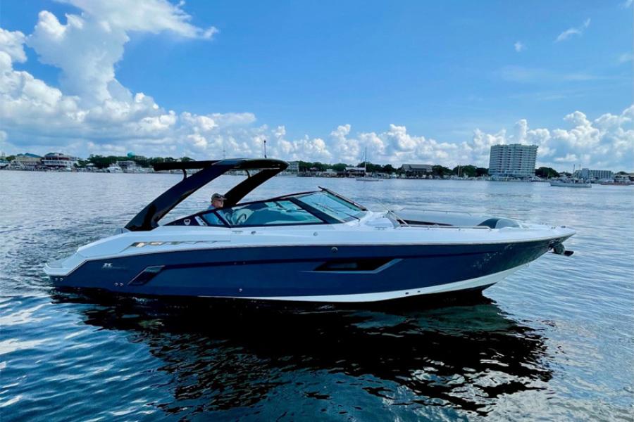 2017 Cruisers 338- IYBA Profile