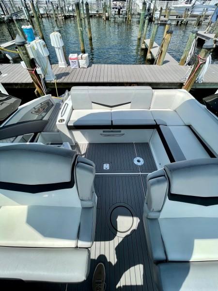 2017 Cruisers 338 (3)