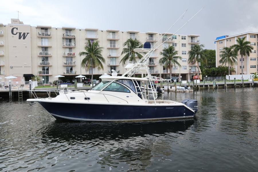 Pursuit 34 - Silver Hook - Port Profile