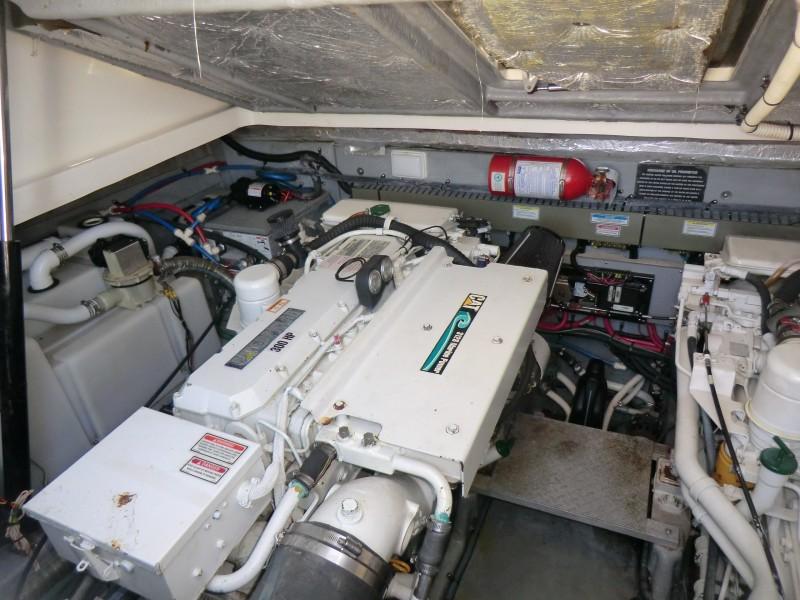 2001 Sea Ray 340 Amberjack Port Engine