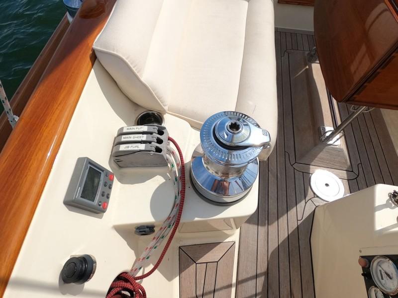 Port Sail Controls