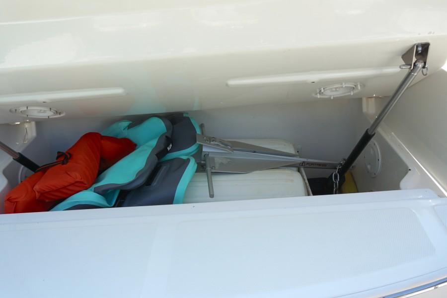 2017 35 Sea Ray 350 SLX The Angelique Trunk Storage